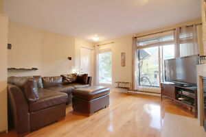 Condo on two floors 1 bedroom up and 2 down + 2 bathrooms West Island Greater Montréal image 6