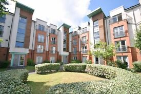 Newly decorated 3 bed HMO furnished top floor flat - Tytler Court - Abbeyhill