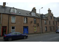 2 bedroom flat in Queen Street, Peterhead, Aberdeenshire, AB42 1TT