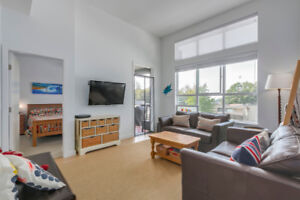BRIGHT, SPACIOUS 2 BED + DEN CLOSE TO LYNN VALLEY MALL