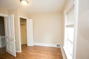 Great one bedroom with large kitchen, front porch for Dec.1 Peterborough Peterborough Area image 4