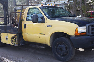 1999 Ford F-550 Super Duty with boom