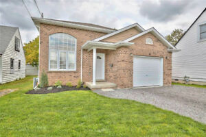 5 Year Young Raised Bungalow in St. Catharines!