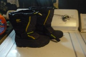 winter boots size 6 boys