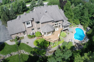 CAMPBELLVILLE COUNTRY ESTATE ON 7 ACRES!