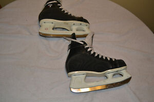 CCM Tacks 152 Skates, Size 5 London Ontario image 2