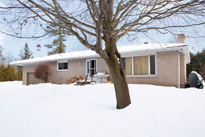 Country Bungalow For Sale - Nestleton