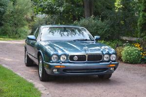 2001 Jaguar XJ8 in perfect condition