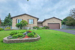 OPEN HOUSE SUNDAY - 3+1bdrm/3.5 bath in Amherstview