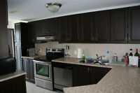 Beautiful Top Level 2bdm Condo One Bus to Downtown or Tunney's