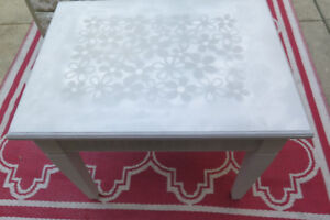 Vintage painted side table or TV table! Chic grey! Xmas gift?