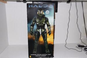 Brand New in box Rubie's Halo Deluxe Master Chief Costume