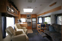 2004 - 30' Travelaire Fifth Wheel in Very Good Condition