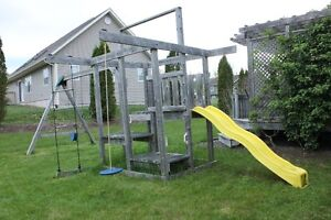 CREATIVE, RUGGED SWING SET PLAY STRUCTURE FOR SALE