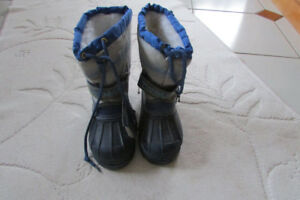 Boots Thomas the Train  (Brand New with Tags)  Size 11