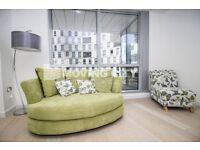 2 bedroom flat in Charrington Tower, Canary Wharf, E14