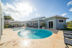 Vacation Rental Standard Pricing US$325 Min Nights 2