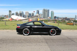 2002 Porsche 911 Turbo Coupe (2 door)