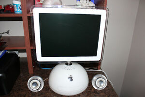 Retro - iMac PowerPC G4 - 700MHz
