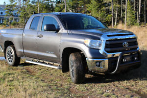 2014 Toyota Tundra SR5 TRD Truck-Includes winter tires and rims!