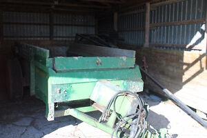massey harris 60 combine/jd 450 manure spreader/pull type swathe Belleville Belleville Area image 7