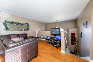New Listing in East Windsor Windsor Region Ontario image 3