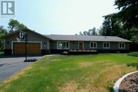 Beautifully Renovated Family Size Acreage - Woodland Hills