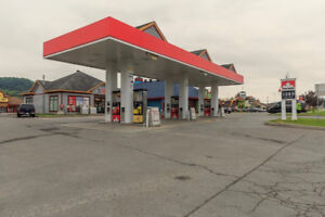 Depanneur with gas station in st-sauveur to sell