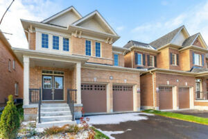 Oshawa house for sale 4 bed 4 bath ! Spectacular 2 story home