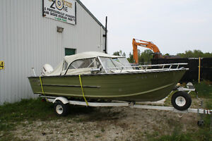 Starcraft 16.5 ft aluminum bowrider and 50 HP engine