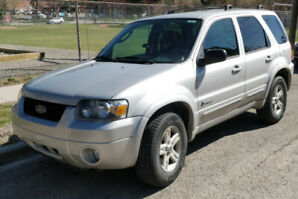 2006 Ford Escape Hybrid - 4X4, (power steering nonfunctional)