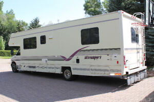 30'  Class C Motorhome - Fuel Injected - Must Sell