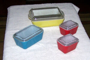 SET of 4 VINTAGE Pyrex Glass PRIMARY COLORS REFRIGERATOR DISHES