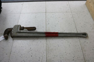 **HAND-TOOL** Powerfist Pipe Wrench (#1963)