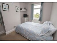 Short term 3 week let from 18th March - beautiful 2 bed flat in St. George