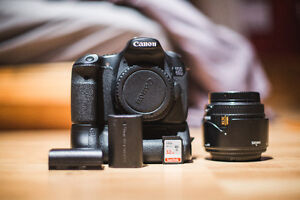 Canon 60D with Battery Grip, 35mm Sigma, 32 GB SD, 2 Batteries