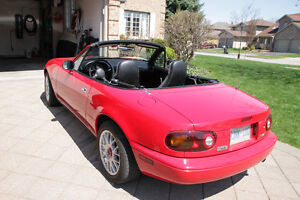 SOLD 1990 Mazda MX-5 Miata Convertible