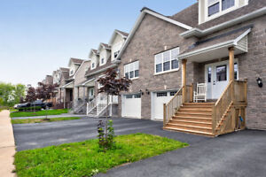 Beautiful Townhouse in Bedford West