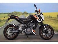 KTM Duke 125 **ABS, Hand Guards, Tank Pad**