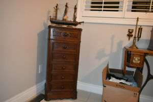 Perfect gift for Christmas!!! 6 drawer commode