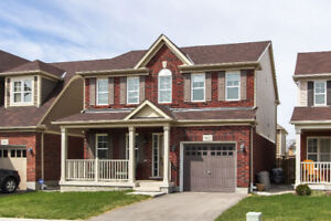 Lovely 3bdrm+2.5bath single detached home for lease in Cambridge