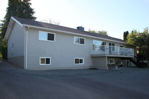 OCEAN VIEW home + HUGE SHOP; 2 MINUTES TO BEACH Campbell River Comox Valley Area image 2