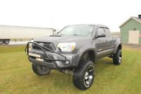 2013 Toyota Tacoma Pickup Truck - TONS OF EXTRA!!