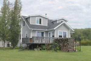 4 Bdrm Cabin with Great View at Lake of the Prairies near Roblin