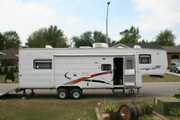 2005 5th WHEELER TOY HAULER 29 FT
