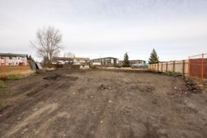 Large Vacant Lot!
