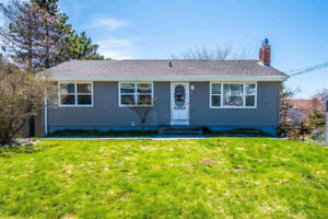 Cozy, Updated Bungalow in Convenient Location