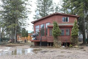 Wonderful 4 Bedroom Lakeview Cabin at Powm Beach-Ref #150075