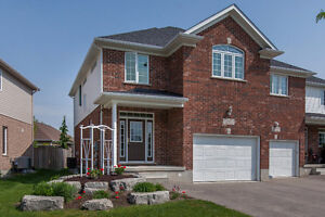 Stunning Move in ready Semi in St Jacobs!