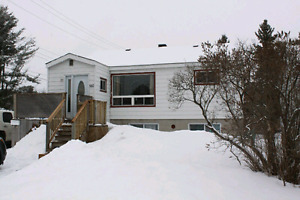 4Bed, 2Bath bungalow For Sale in North Bay
